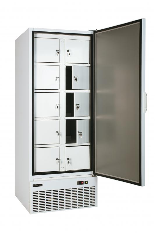 Teleajtós hűtőszekrény bruttó 600 l,, rekeszes, festett  külsővel J-600 R